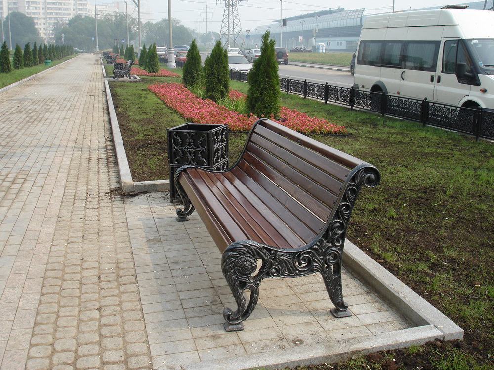 Чугунная скамья