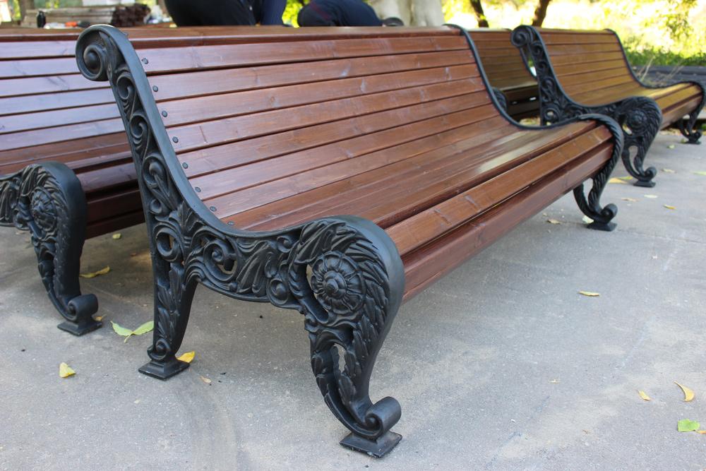 скамейки как основной элемент ландшафтного дизайна
